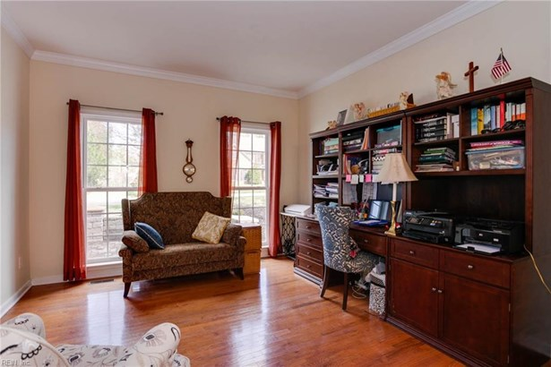 Transitional, Single Family - James City County, VA (photo 4)