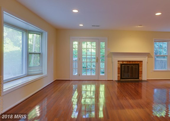 Townhouse, Colonial - POTOMAC, MD (photo 4)