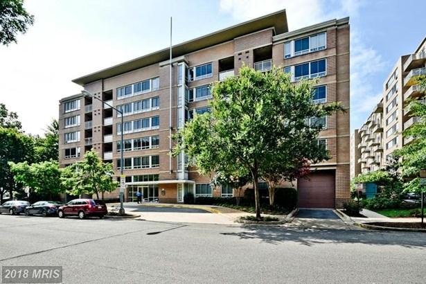Mid-Rise 5-8 Floors, Colonial - WASHINGTON, DC (photo 2)