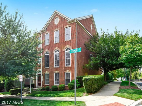 Townhouse, Traditional - CLARKSBURG, MD (photo 1)