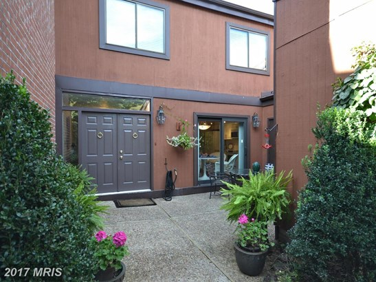 Townhouse, Contemporary - TOWSON, MD (photo 3)