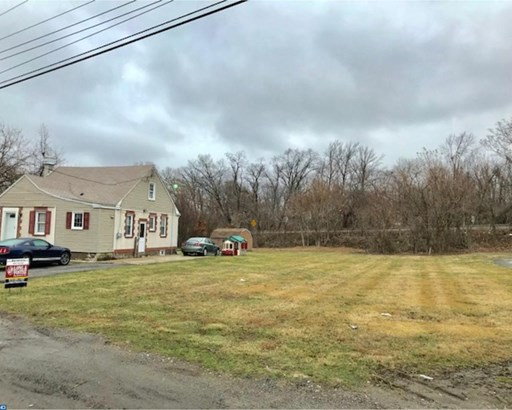 Colonial, Detached - MARCUS HOOK, PA (photo 1)