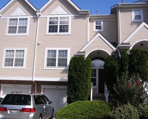 Colonial, Row/Townhouse/Cluster - NORTH WALES, PA (photo 1)