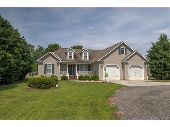 Transitional, Single Family - Kilmarnock, VA (photo 1)