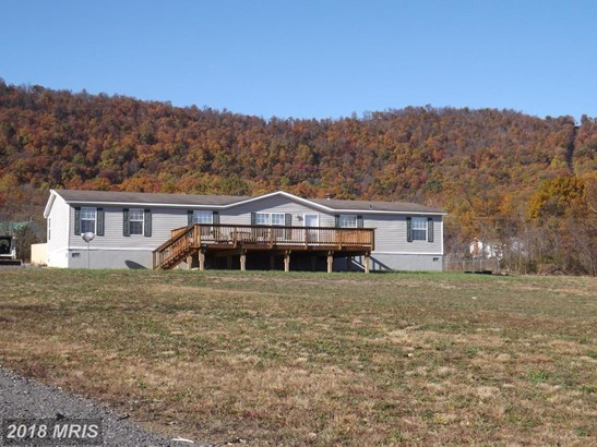 Rancher, Double Wide - GERRARDSTOWN, WV (photo 1)