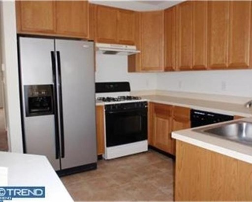 Row/Townhouse, Traditional,EndUnit/Row - SICKLERVILLE, NJ (photo 3)