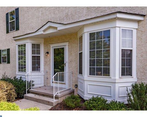 Row/Townhouse, Colonial,EndUnit/Row - NEWTOWN SQUARE, PA (photo 3)