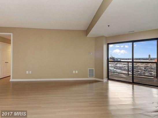 Hi-Rise 9+ Floors, Contemporary - BALTIMORE, MD (photo 3)