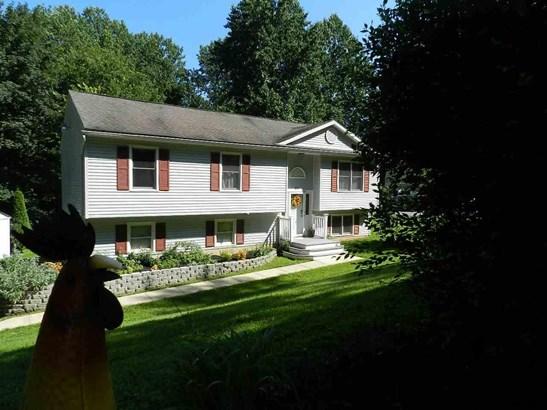 Split Foyer, Residential/Farms - Airville, PA (photo 2)