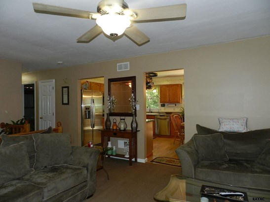 Split Foyer, Residential/Farms - Airville, PA (photo 4)