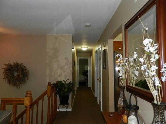 Split Foyer, Residential/Farms - Airville, PA (photo 5)