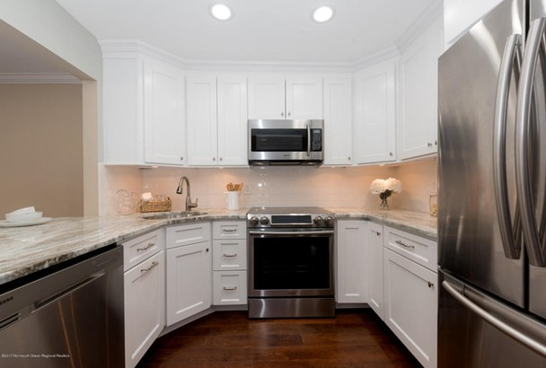 Townhouse, Attached, Townhouse - Red Bank, NJ (photo 3)