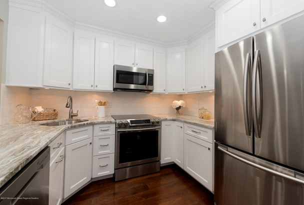Townhouse, Attached, Townhouse - Red Bank, NJ (photo 4)