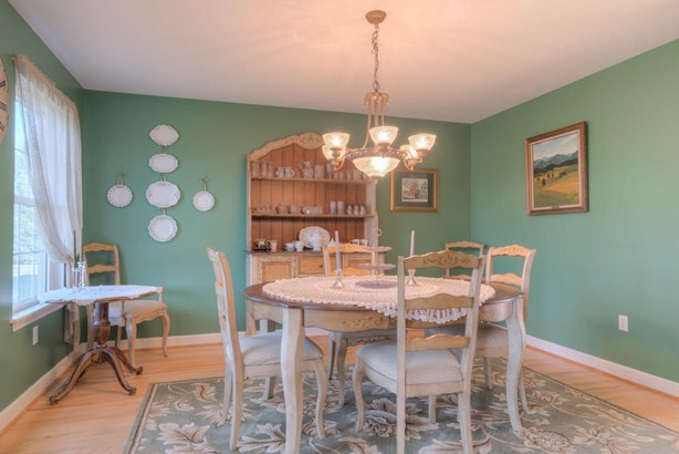 Residential, Colonial - Riner, VA (photo 5)