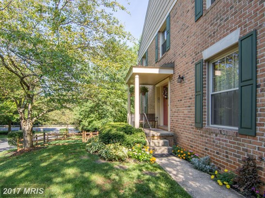 Townhouse, Colonial - SPARKS, MD (photo 2)