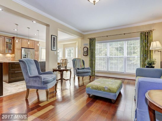 Colonial, Detached - TOWSON, MD (photo 4)