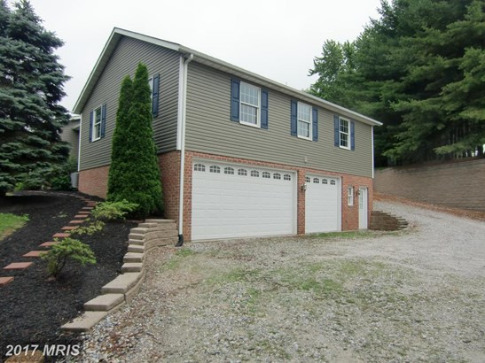Split Foyer, Detached - MILLERS, MD (photo 4)