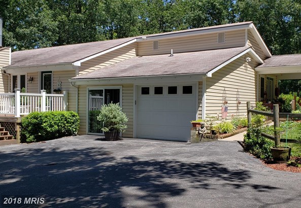 Contemporary, Detached - HEDGESVILLE, WV (photo 2)