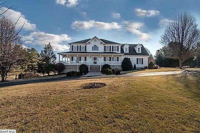 Farm House, TRADITIONAL, Detached - WAYNESBORO, VA