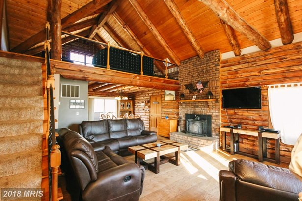 Detached, Log Home - LITTLESTOWN, PA (photo 2)