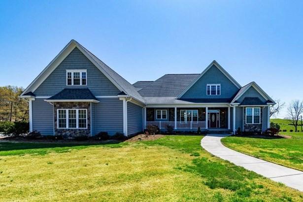 Residential, 2 Story - Bassett, VA (photo 4)