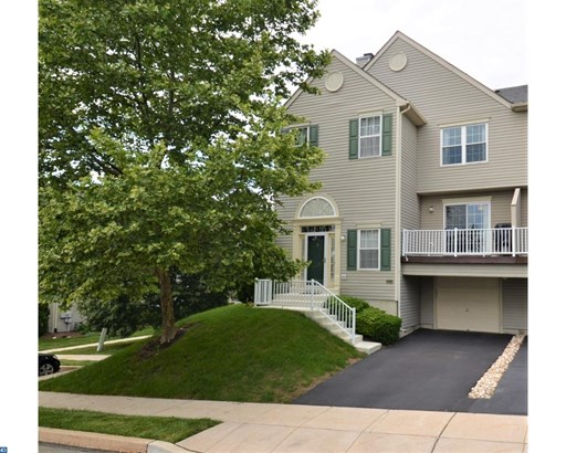 Row/Townhouse, Traditional - COLLEGEVILLE, PA (photo 1)