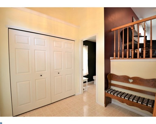 Row/Townhouse, Traditional - COLLEGEVILLE, PA (photo 4)