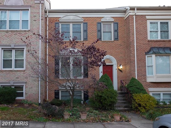 Townhouse, Contemporary - CENTREVILLE, VA (photo 1)