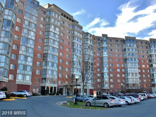 Hi-Rise 9+ Floors, Traditional - SILVER SPRING, MD (photo 1)