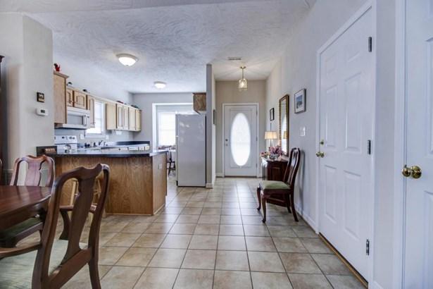 Patio Home (Zero), Single Family - Troutville, VA (photo 4)
