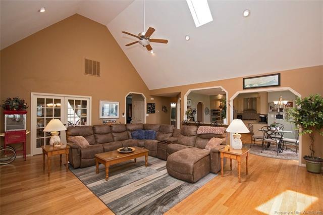 Ranch, Transitional, Single Family - Yorktown, VA (photo 3)