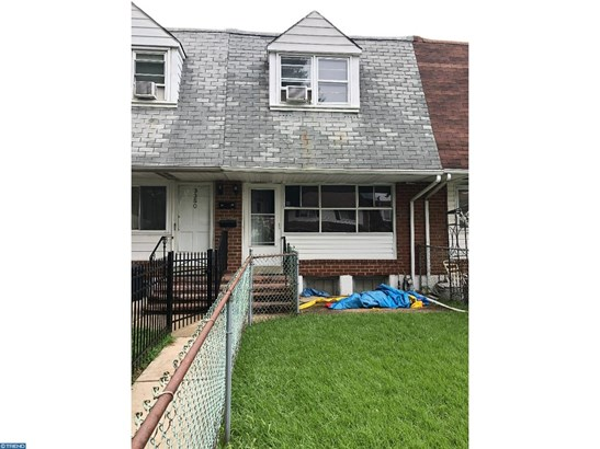 Row/Townhouse, Colonial - CHESTER, PA
