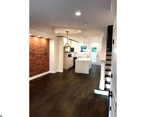 Row/Townhouse, Colonial - WEST CHESTER BORO, PA (photo 2)