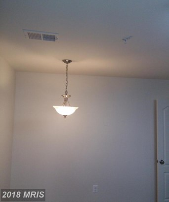 Townhouse, Contemporary - ELDERSBURG, MD (photo 2)