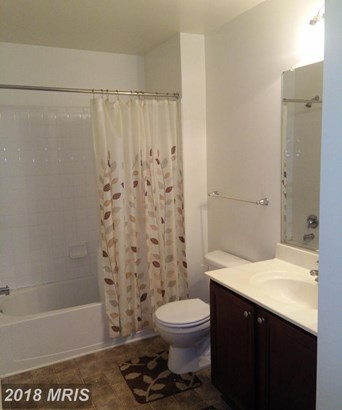 Townhouse, Contemporary - ELDERSBURG, MD (photo 3)