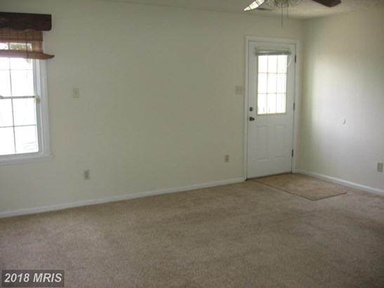 Townhouse, Colonial - GREAT MILLS, MD (photo 2)