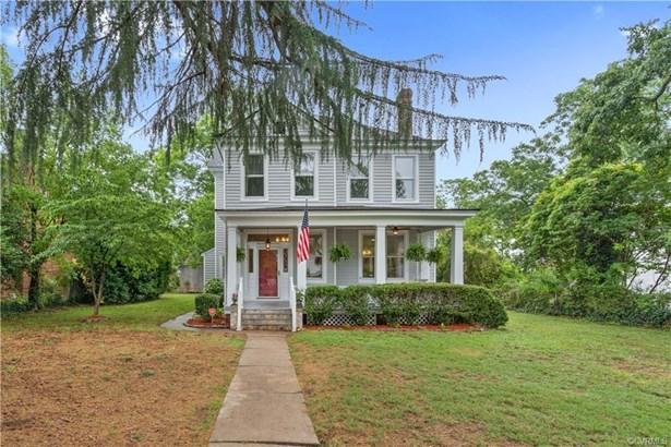 Farmhouse, Two Story, Single Family - Richmond, VA