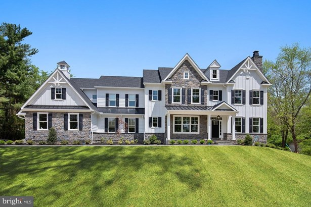Detached, Single Family - BLUE BELL, PA