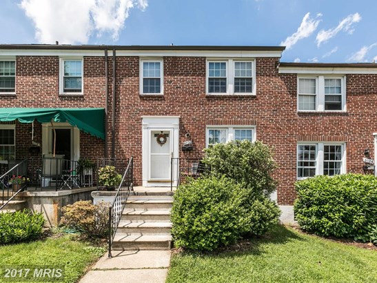Colonial, Attach/Row Hse - CATONSVILLE, MD (photo 1)