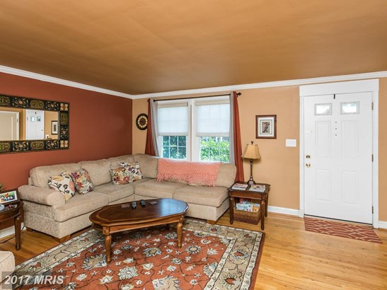 Colonial, Attach/Row Hse - CATONSVILLE, MD (photo 3)