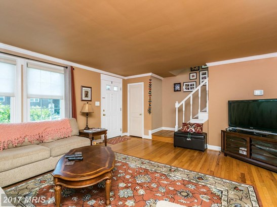 Colonial, Attach/Row Hse - CATONSVILLE, MD (photo 4)