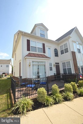 Townhouse, End of Row/Townhouse - ASHBURN, VA
