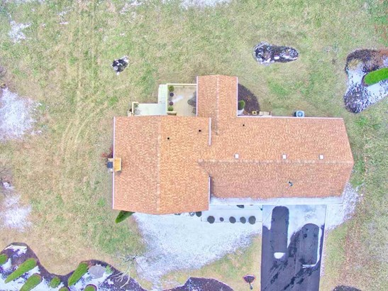 Split Tri-Level, Detached - Pearisburg, VA (photo 5)