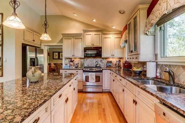 Residential, Ranch - Vinton, VA (photo 5)