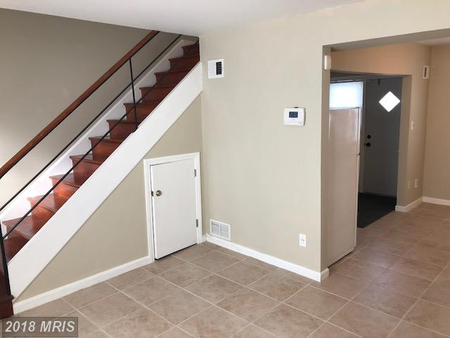 Colonial, Attach/Row Hse - TEMPLE HILLS, MD (photo 4)