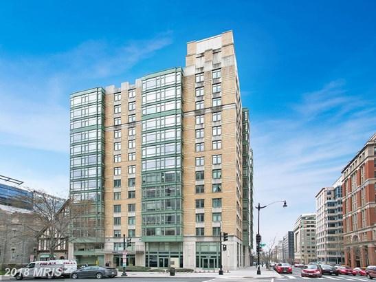 Hi-Rise 9+ Floors, Traditional - WASHINGTON, DC (photo 1)