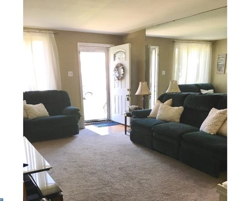 Row/Townhouse, AirLite - GLENOLDEN, PA (photo 4)