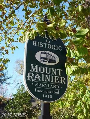 Colonial, Detached - MOUNT RAINIER, MD (photo 2)