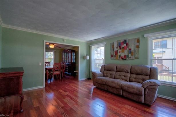 Traditional, Single Family - Newport News, VA (photo 4)