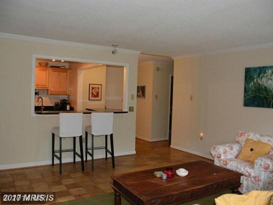 Hi-Rise 9+ Floors, Traditional - WASHINGTON, DC (photo 3)